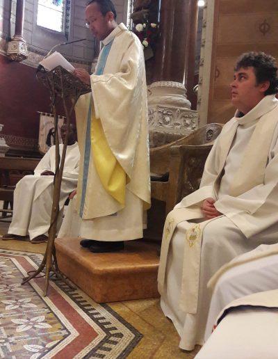 prédication du bébé prêtre!!! (1)